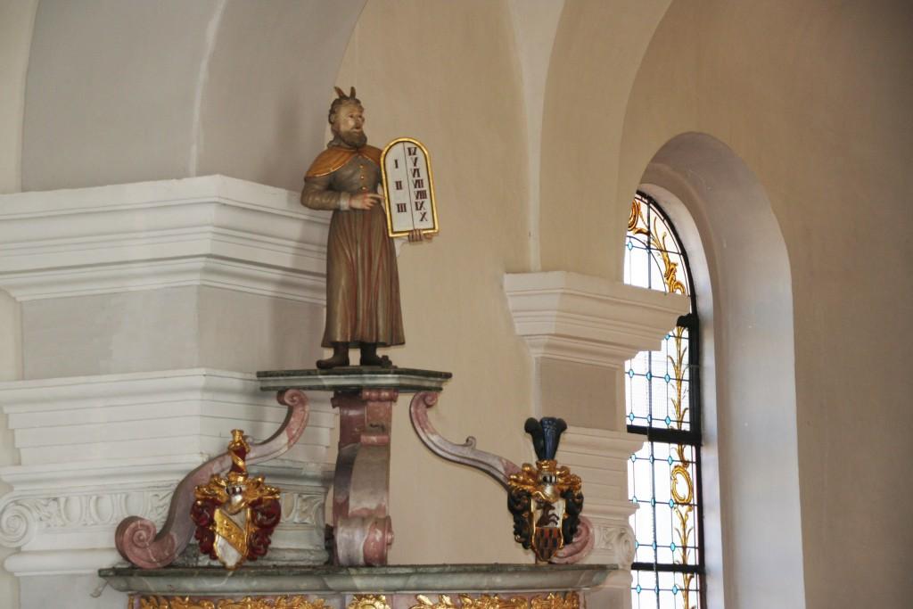 Mose auf dem Kanzeldeckel in Wildenreuth